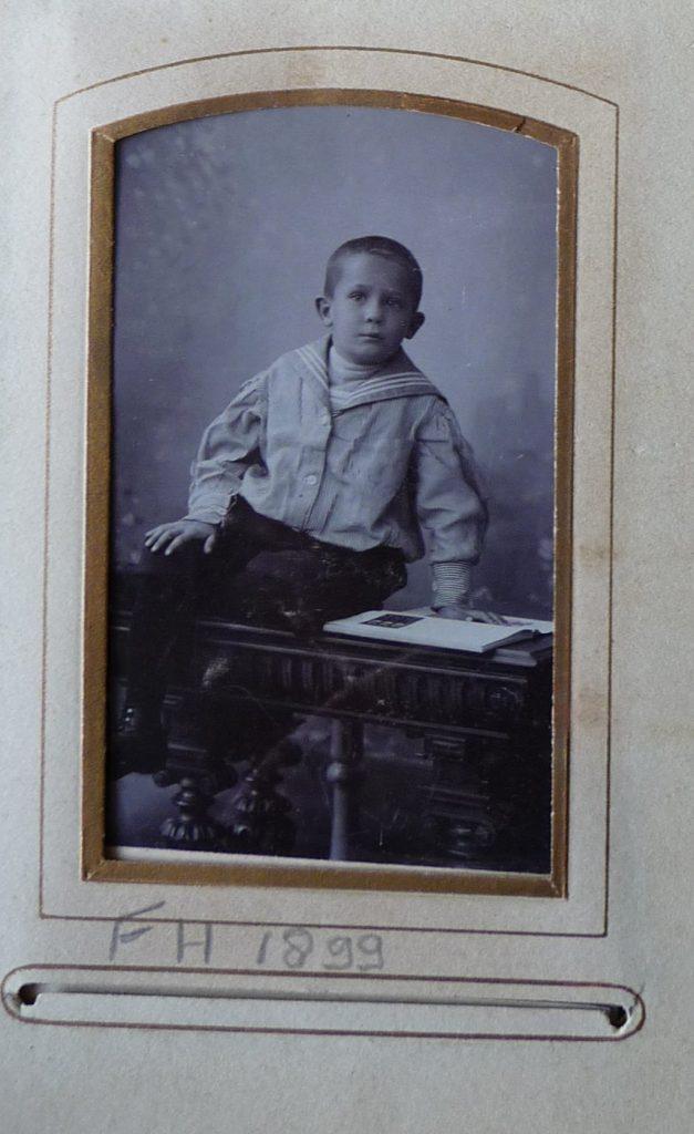 Eskens, F.H. 1899