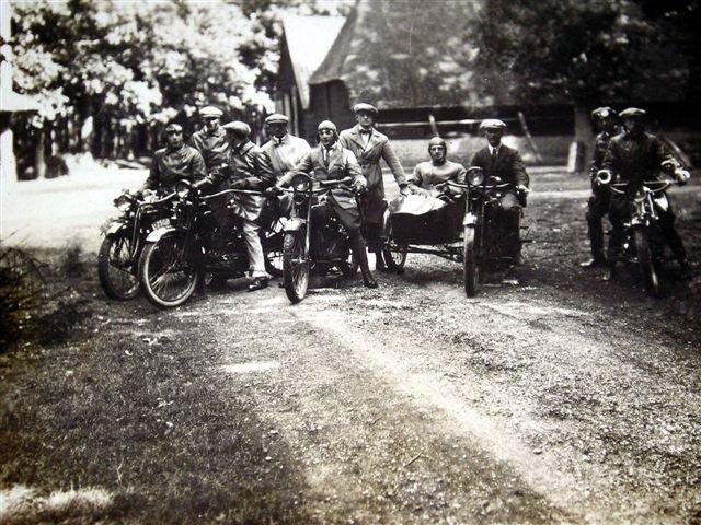 Jacques Bakkenes en zijn motorvrienden